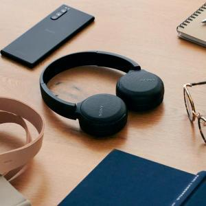 Sony WH-CH510 Lifestyle image